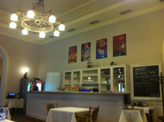 Hansen Restaurant: lovely old time elegant atmosphere