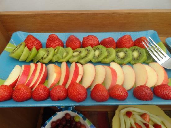 Orley House: Fresh Fruit @ Breakfast