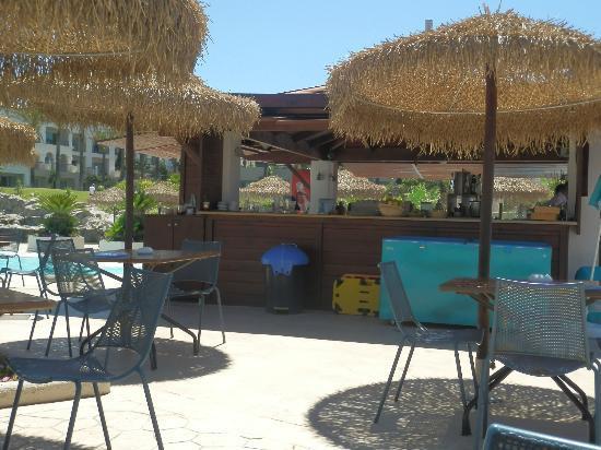 Grecotel Olympia Riviera Thalasso: Pool bar