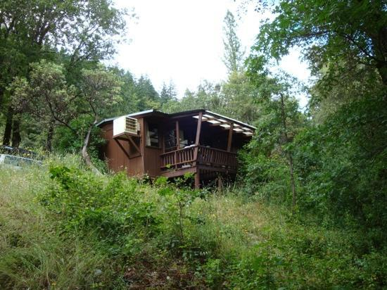 Sandy Bar Ranch: cabins all have swamp coolers or air conditioners