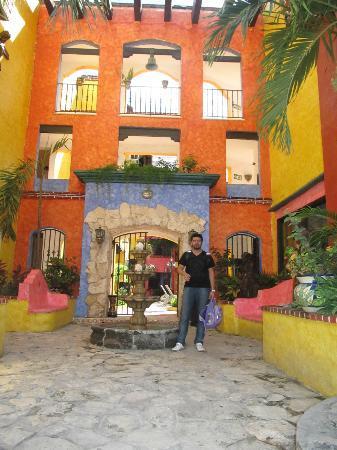Hotel Hacienda Maria Bonita: La entrada!