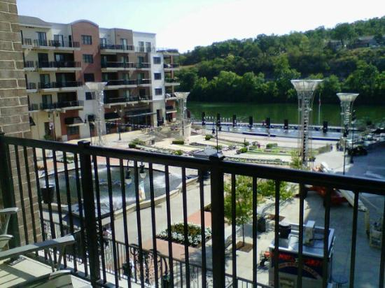 Hilton Promenade at Branson Landing: View from Balcony toward Fountain