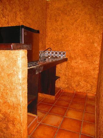 Hotel Hacienda Maria Bonita: minibar. Lo gastamos! jajja!