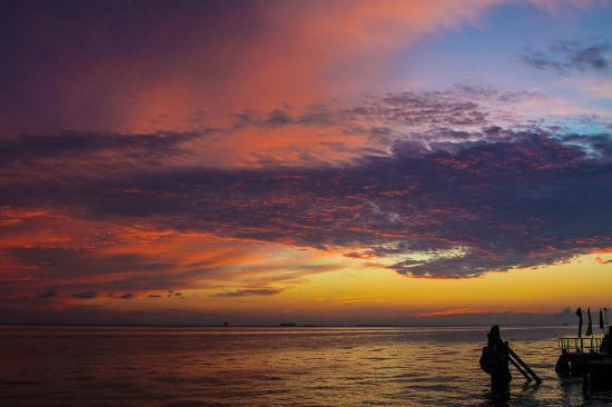 Isla Mujeres Palace: Beautiful Sunsets