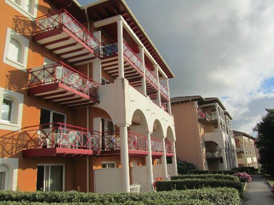 Résidence Mer et Golf Soko-Eder : Façade de la résidence