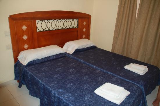 Tenerife Royal Gardens: Bedroom C110