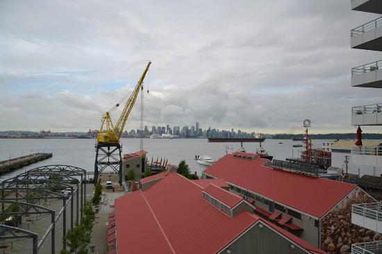 Pinnacle Hotel At The Pier: Vista do Quarto Pinnacle