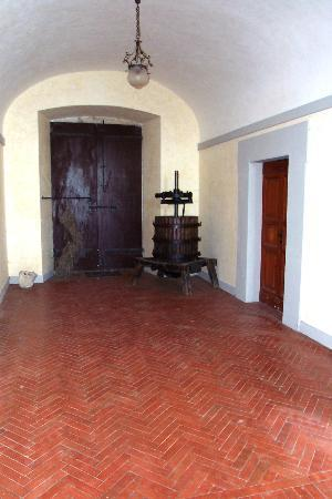 Villa Osperellone: Entrance courtyard