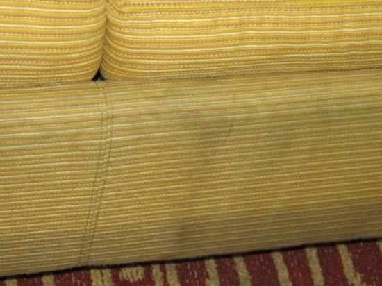 TownePlace Suites Miami Lakes: Stains on couch