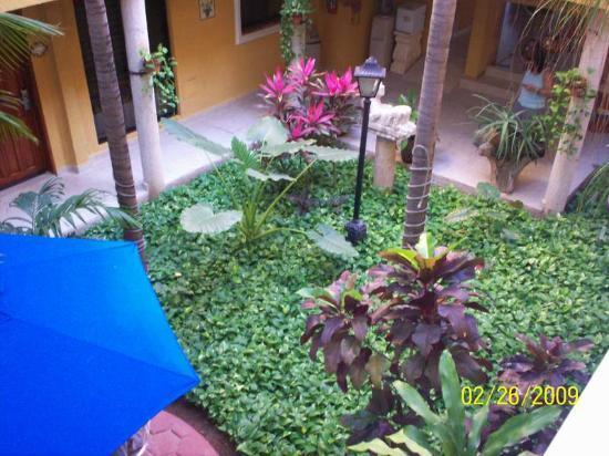 Hotel Las Golondrinas: patio