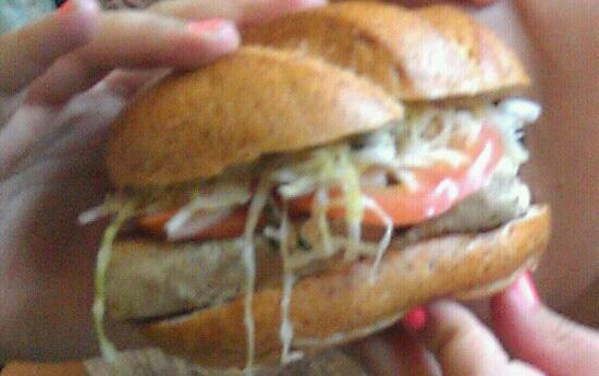 Crossroads Cafe: HUGE Ahi Tuna Burger!!! 