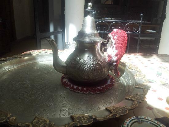 Riad Ineslisa: Tetera
