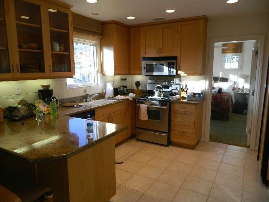 Sunset Cove Villas: Our kitchen