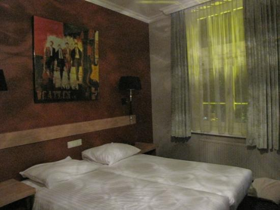 Hotel Citadel: The Beatles Room