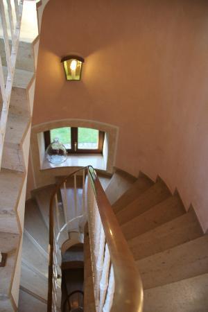 Hotel Fantasia: 可愛らしい階段