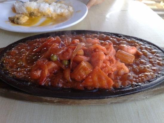 Matutina's and Gerry's Seafood House : Sizzling gambas