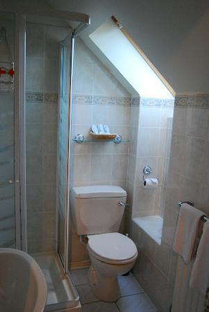 Sandilands Guest House: I love this Bathroom!