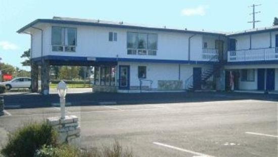 Front Street Inn: Exterior View Main