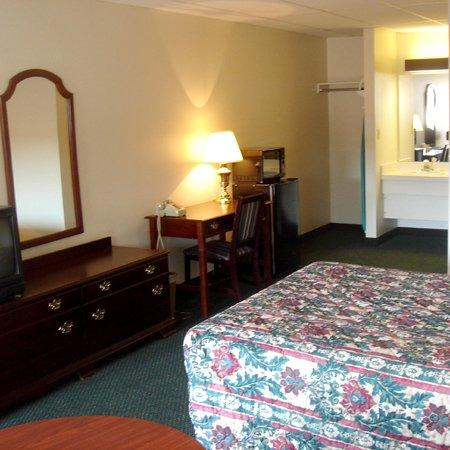 German Village Inn: Guest Room