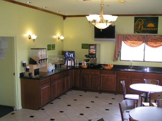 Budget Inn Santa Fe Springs: Lobby view