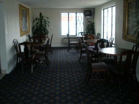 Hometown Inn (Flint): Lobby view