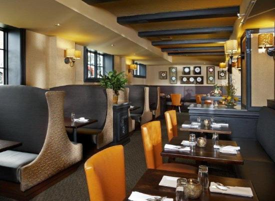 Hotel Julien Dubuque: Carolines Restaurant