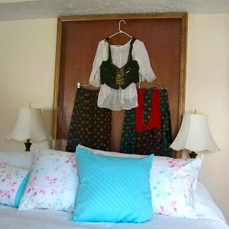 Connellsville Bed and Breakfast: Slovak Dress in Slovak Room