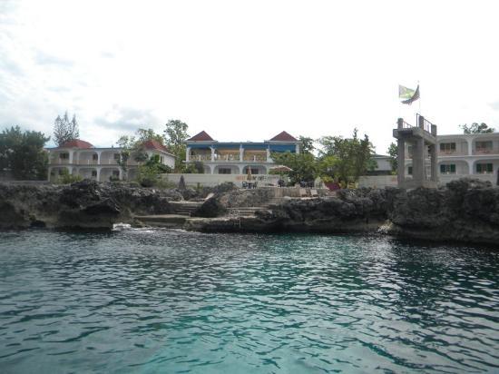 Coral Seas Cliff Hotel