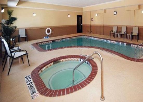 كومفرت إن نير يو إن تي: Pool