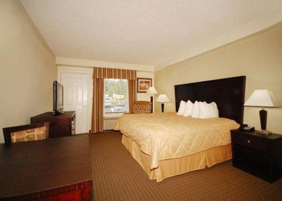 MainStay Suites Knoxville: Standard King Efficiency with Fully Equipped Kitchen and Balcony