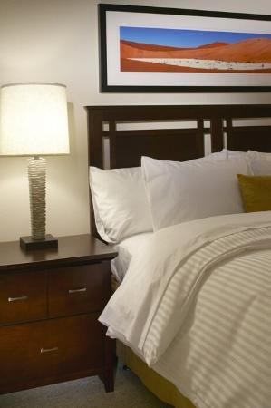 Oakwood at Riverview Landings : Bedroom