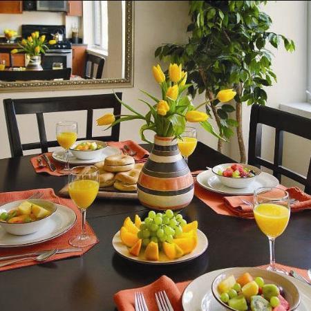 Oakwood at Riverview Landings : Dining Room