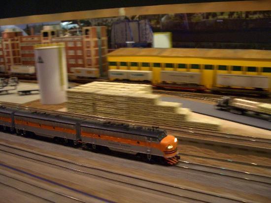 Colorado Model Railroad Museum: ROLLIN' DOWN THE LINE