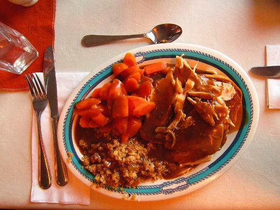 Lighthouse Restaurant: Hot turkey dinner with homemade gravy