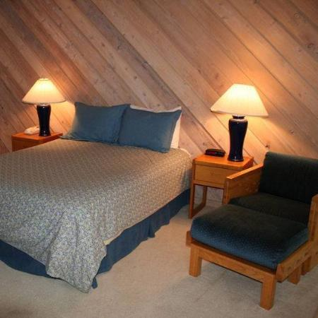 The Ridge at Elkhorn: Guest Room