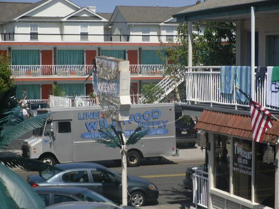 Twilight Motel: Twilight and Mango Motels