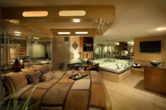 Willowbrook, IL: Executive Suite