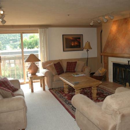Snowcrest Condominiums: Living Room