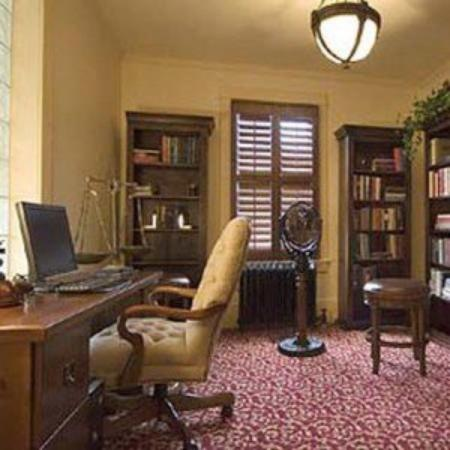 Chamberlin Inn: Library Business Center