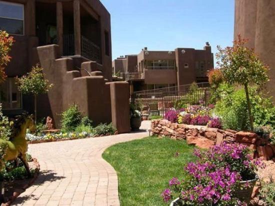 Adobe Grand Villas: Exterior