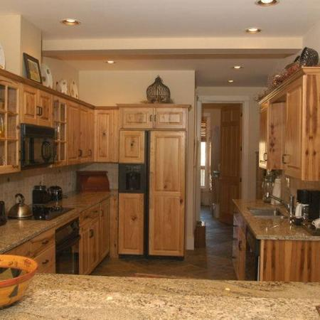 Crail Creek Condominiums: Kitchen