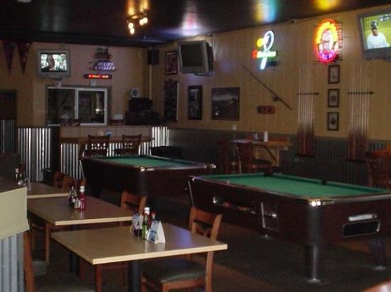 406 Sportsman Lodge: 406 Sportsman's Lunge