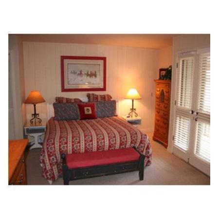 ResortQuest Cottonwood at Sun Valley : Bedroom