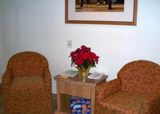 Rodeway Inn Toms River: Lobby