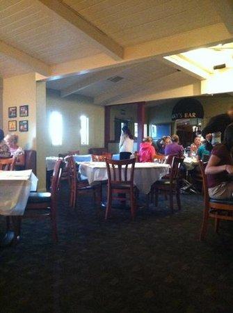 Green Valley Grill: inside restaurant