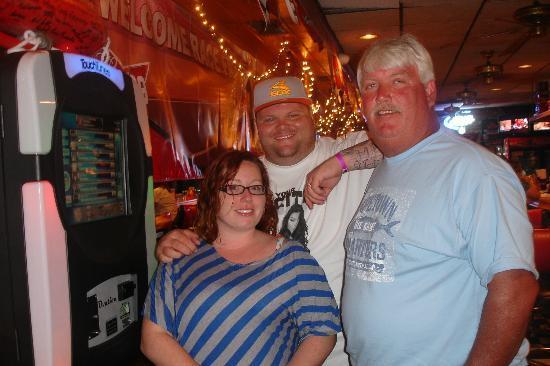 Daytona Brickyard: Playing songs at the jukebox.