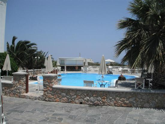 Villa Manos: View of the pool