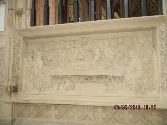 Marienkirche : Marble panel, can you find the mouse?