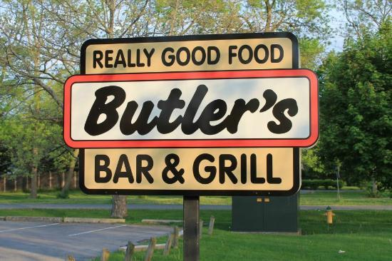 Butler's Bar & Grill: Lawn Sign