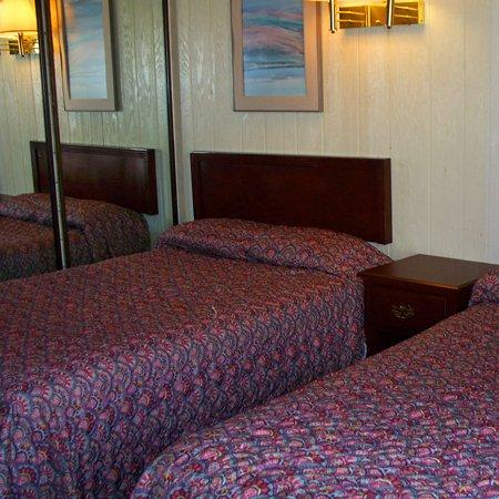 Dry Dock Motel: Standard Room